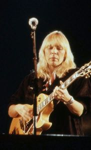 Joni Mitchell 2004 source: Wikipedia